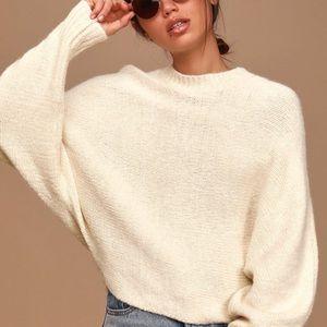 Brand new trendy knit sweater